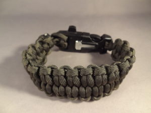 Quick Deploy Paracord Survival Bracelet